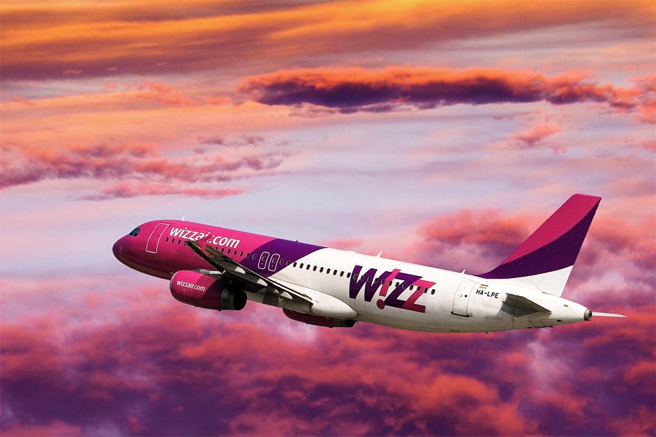 Картинки по запросу фото самолёт wizzair