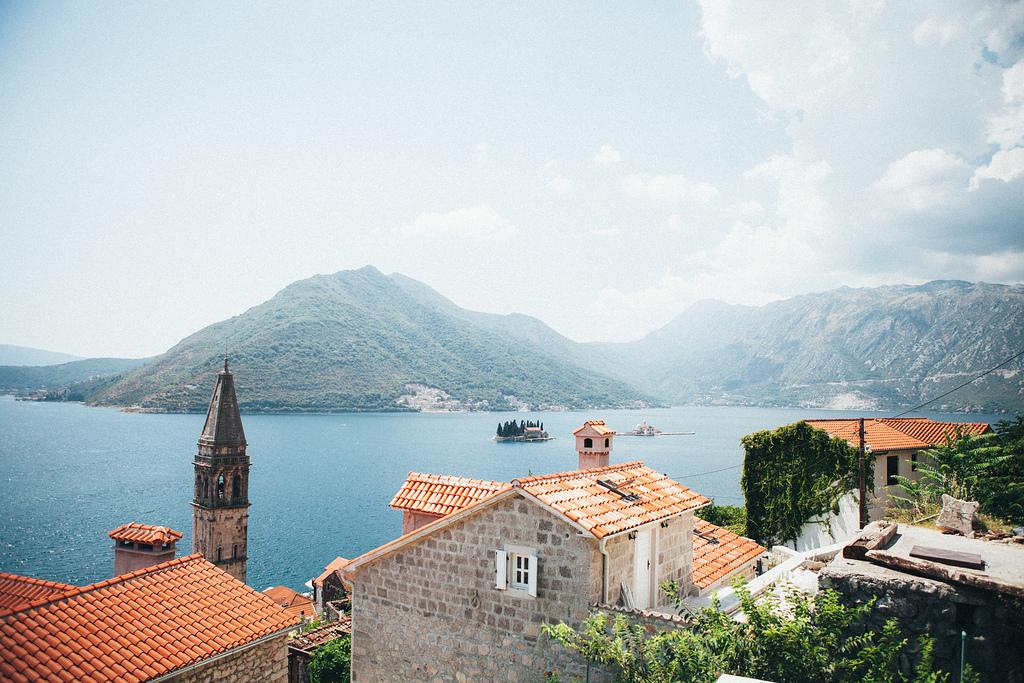 С рюкзаком по черногории рюкзак полиэстер или cordura