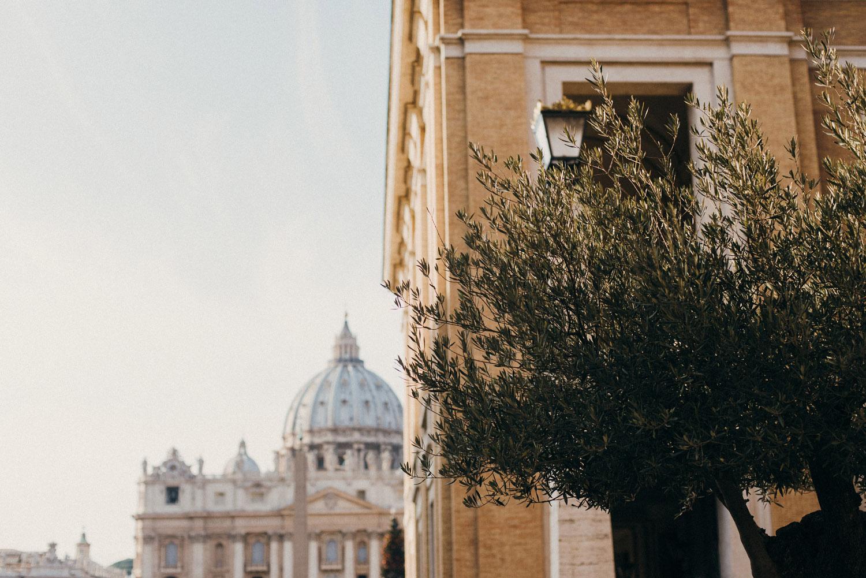 Культурные столицы Италии Культурные столицы Италии ines perkovic a simple hello vatican st Peter basilica square olive tree