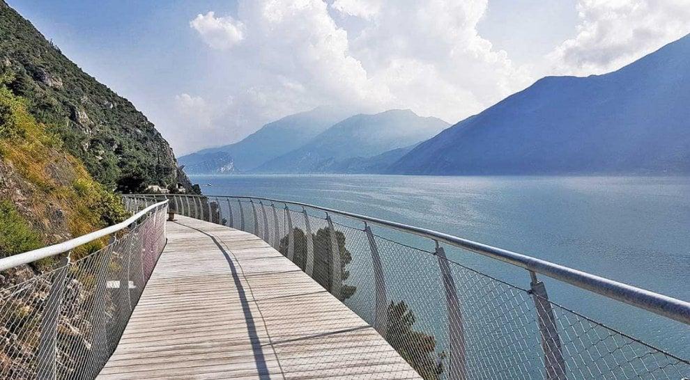 Открывается первый участок велодороги, огибающей озеро Гарда Открывается первый участок велодороги, огибающей озеро Гарда 110355310 677ab046 87f8 43c3 a834 f214e4f6475e