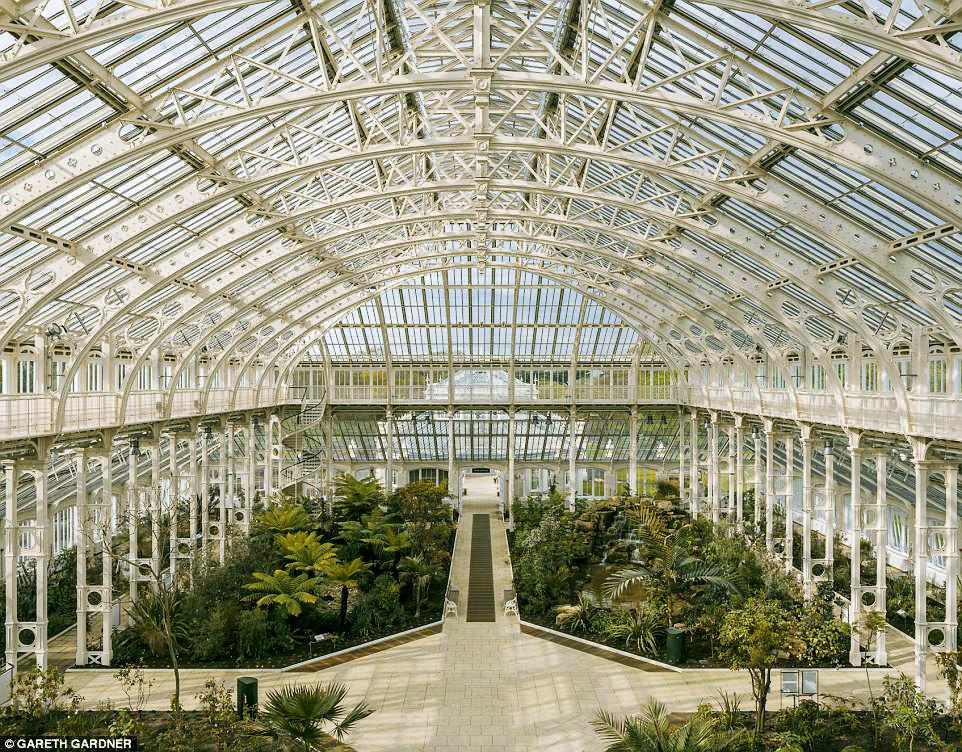 Фото дня: в Лондоне открылась викторианская оранжерея Фото дня: в Лондоне открылась викторианская оранжерея 14