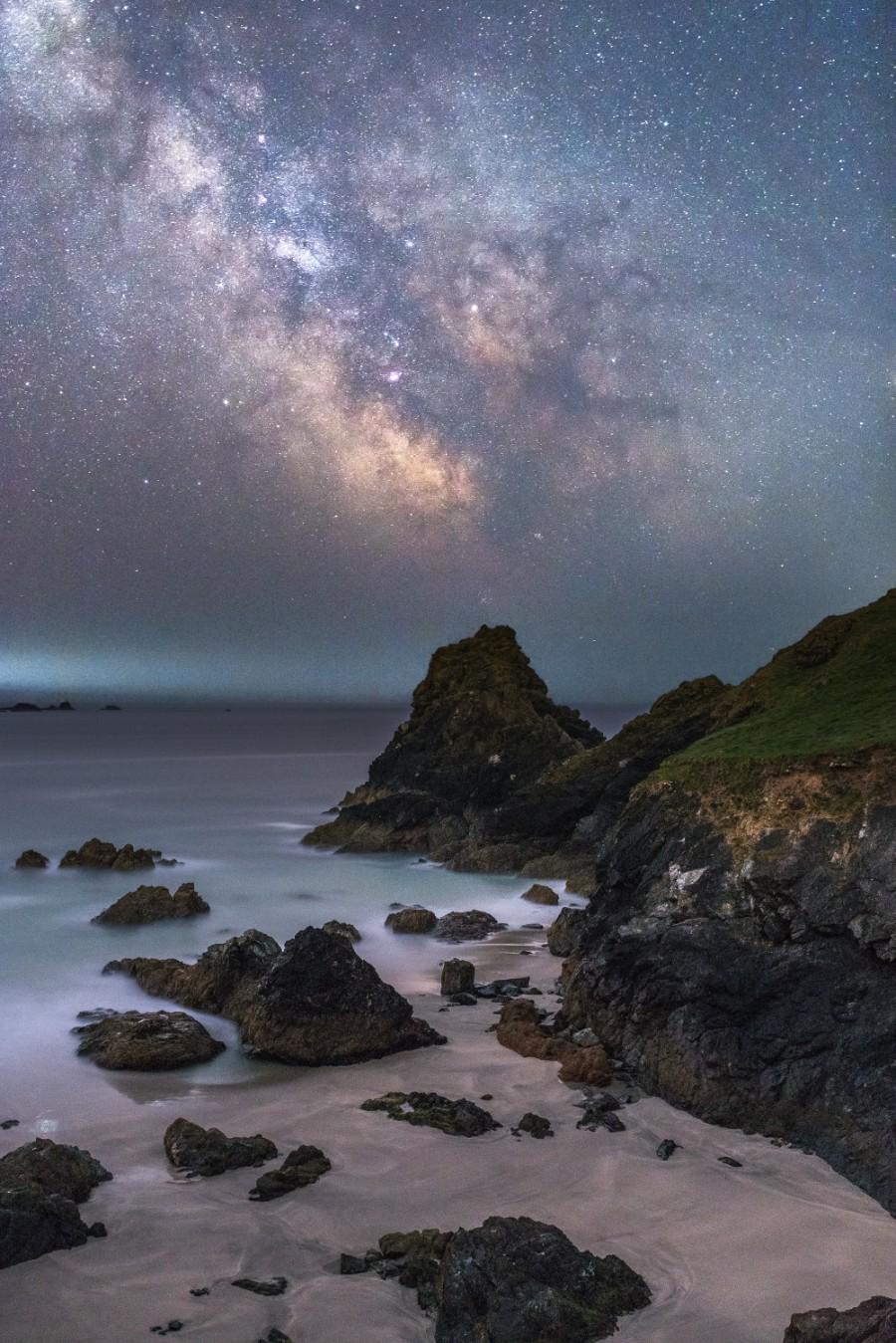 Лучшие астрономические фото года Лучшие астрономические фото года S32688 Kynance 20cove 20by 20night 20 C2 A9 20Ainsley 20Bennett