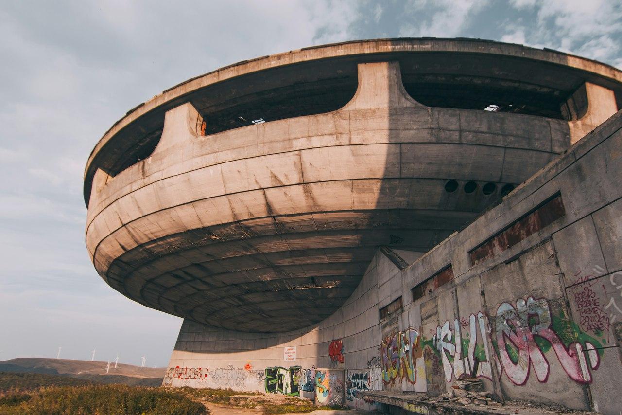 10 заброшенных объектов по всему миру Заброшенные объекты по всему миру 00