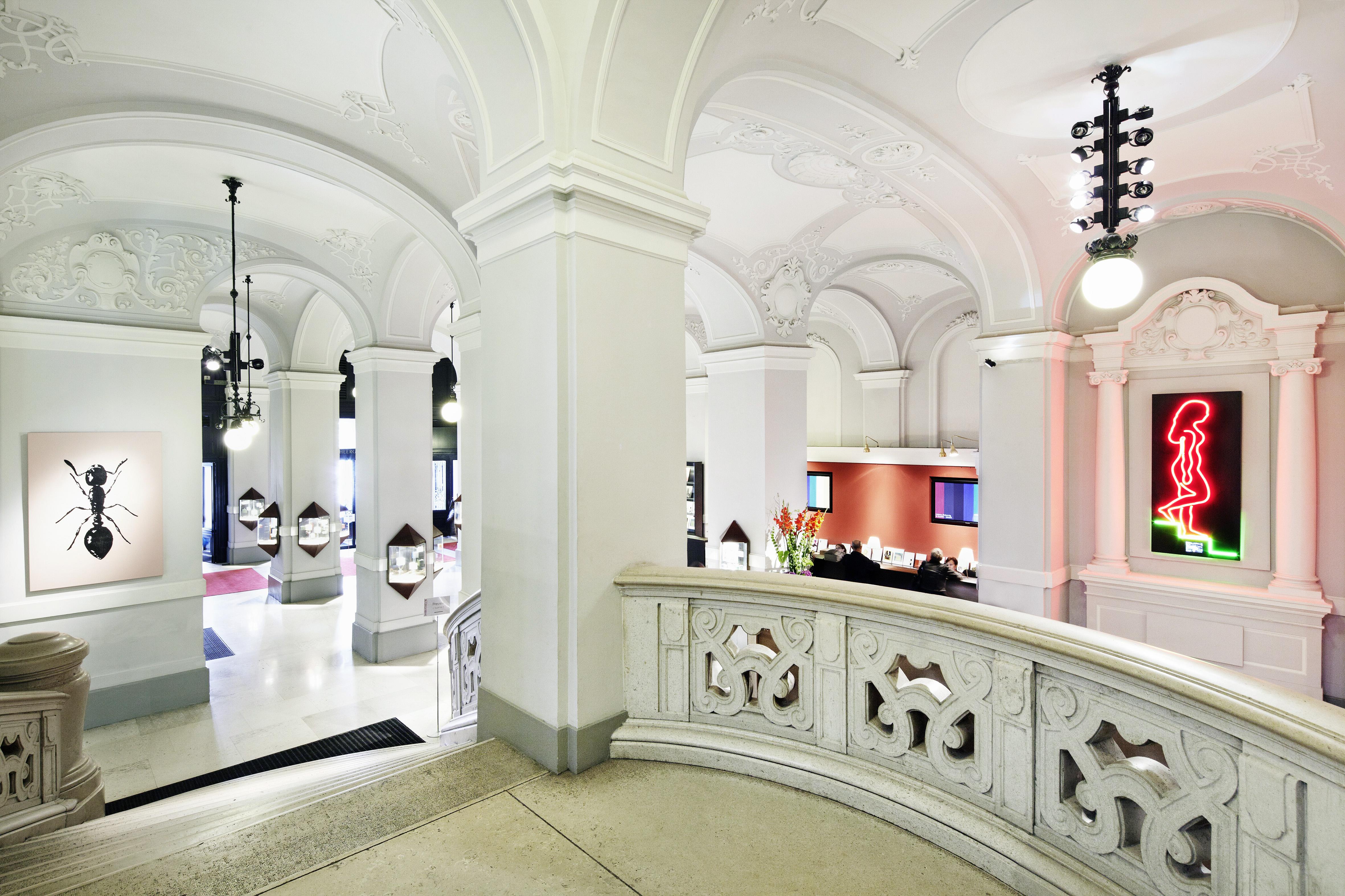 Арт-гид по Вене Арт-гид по Вене Dorotheum Wien Treppenaufgang