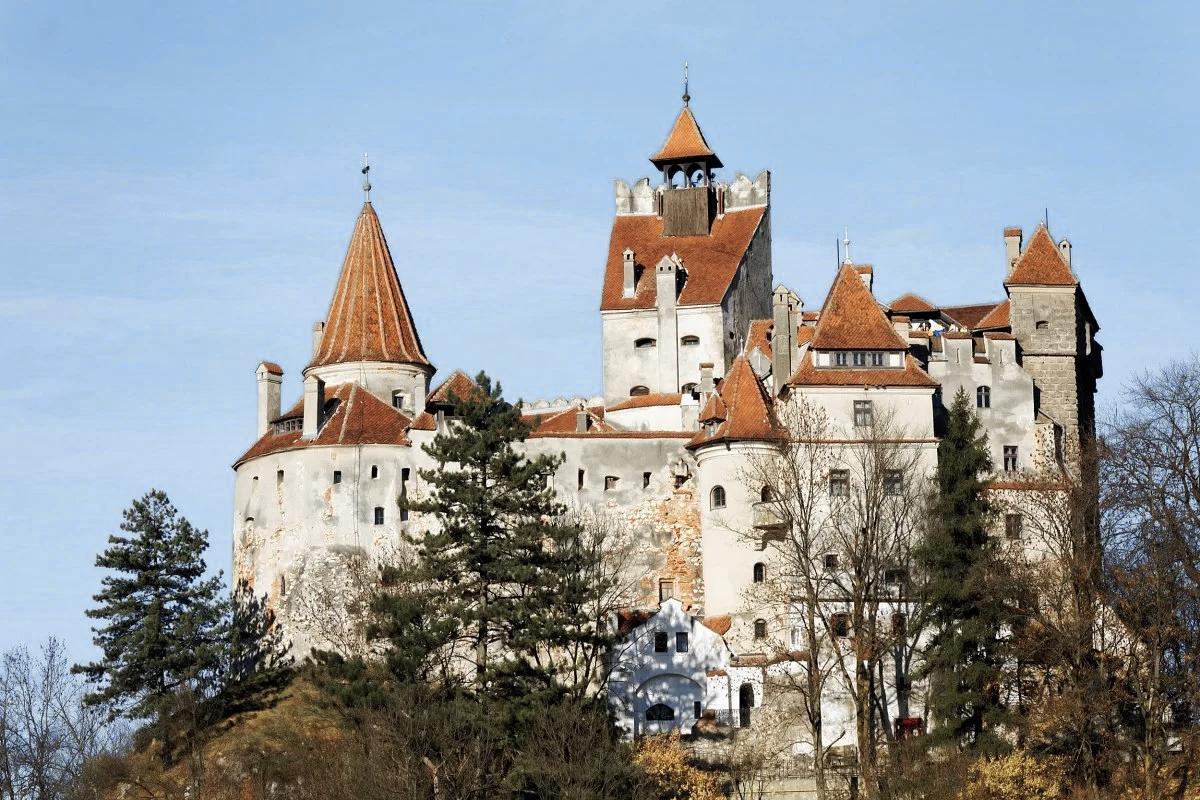 замки Румыния Три замка, ради которых стоит съездить в Румынию 00