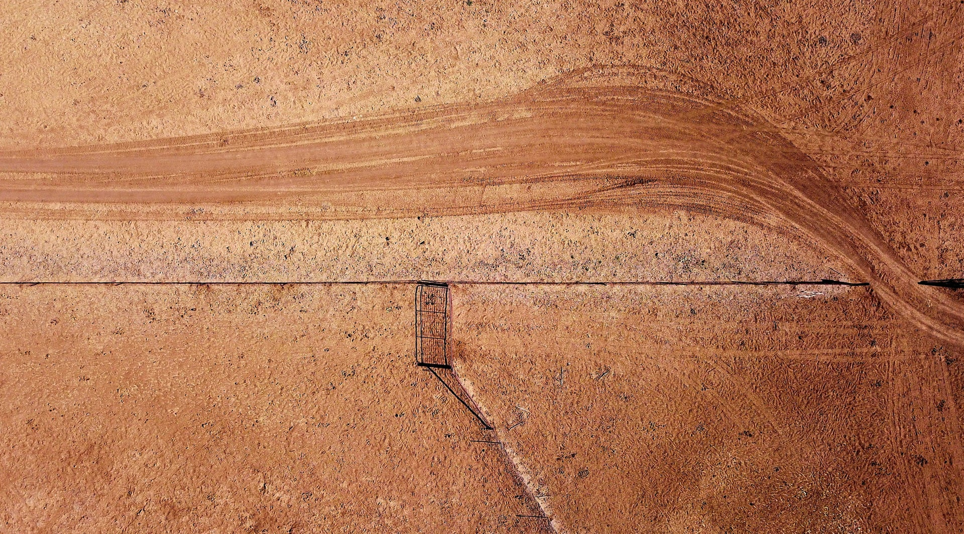 Фото дня: засуха в Австралии с высоты птичьего полета Фото дня: засуха в Австралии с высоты птичьего полета 3500 20 16